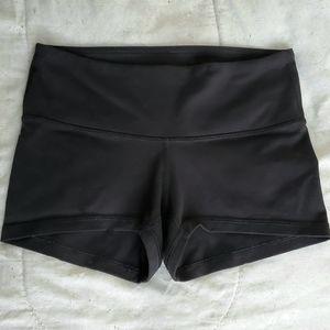 """Lululemon 2.5"""" Align Shorts"""
